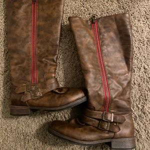 Journee collection wide calf size 7 boots